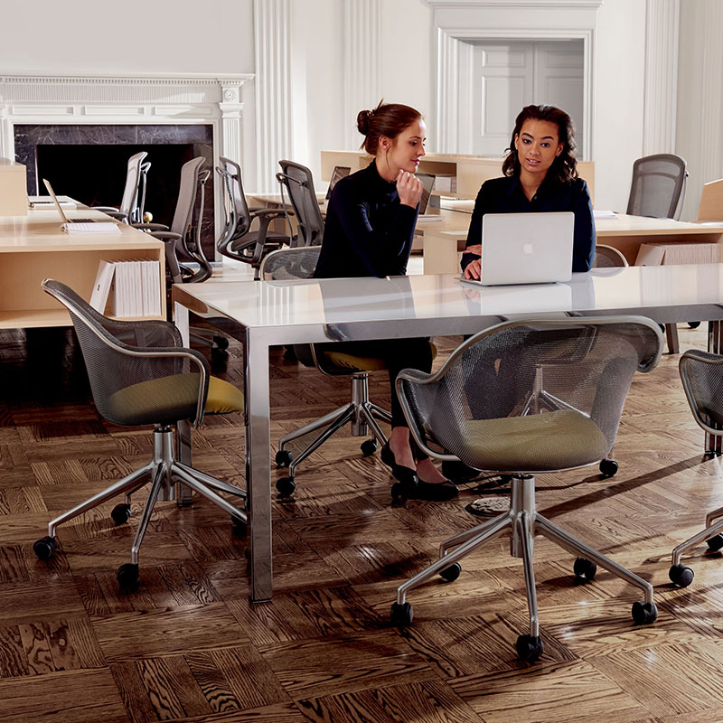 modern conference room table and chairs